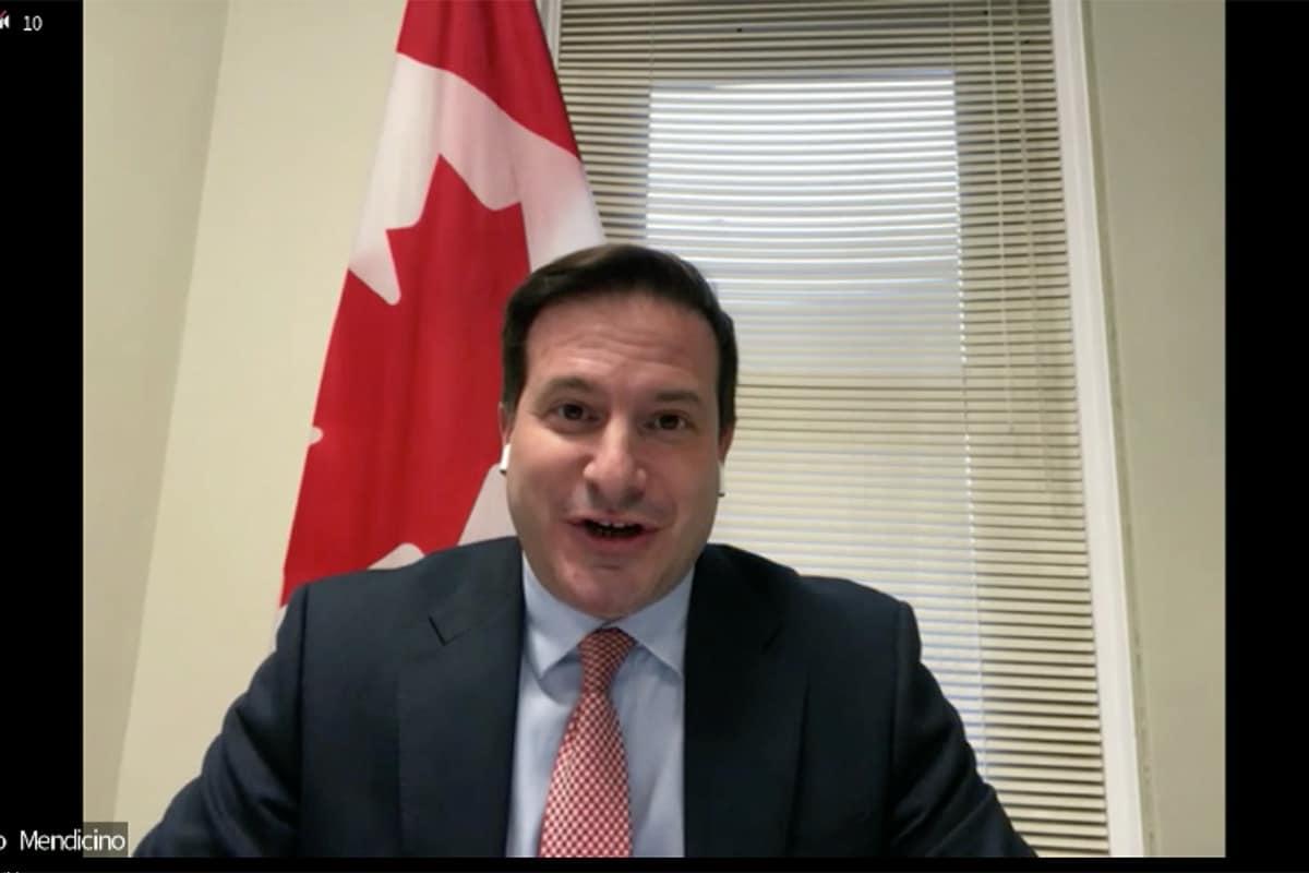 Canadá concederá residência permanente a 90.000 estudantes e trabalhadores estrangeiros