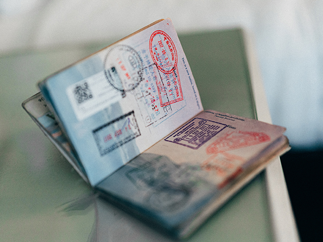 WHAT ARE ETA, VISITOR, SUPER VISA AND HOW TO APPLY FOR ONE!
