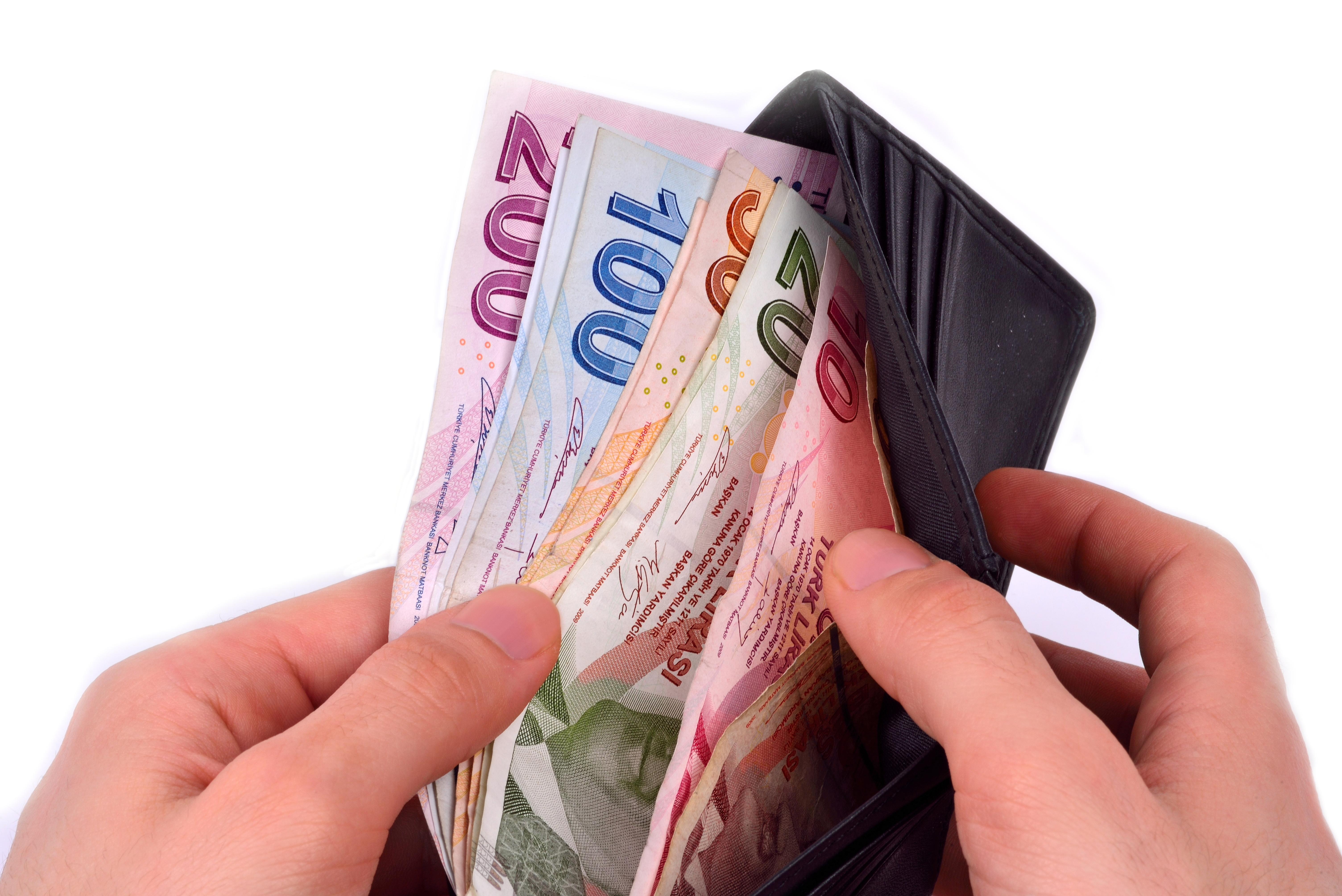 Como levar dinheiro do Brasil para o Canadá